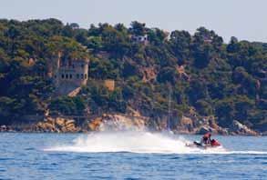 Adrenalin junkies can indulge in water skiing, ski bus rides, parasailing and jet skiing, among others, exploring our coastline in an