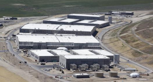 NSA s new Utah data center: 5000 PB (50-100 MW, $2 billion) Climate DB Facebook uploads 180PB/year We are big