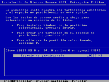 En primer lugar se introduce el CD de instalación de Windows Server 2003 Enterprise Edition SP2, correctamente configurada la BIOS para que arranque desde el CD.