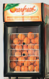 Orangenius Dispensador opcional con introducción automática de las naranjas. Optional hopper with automatic orange loading. Disponible en color naranja. Available in orange finish.
