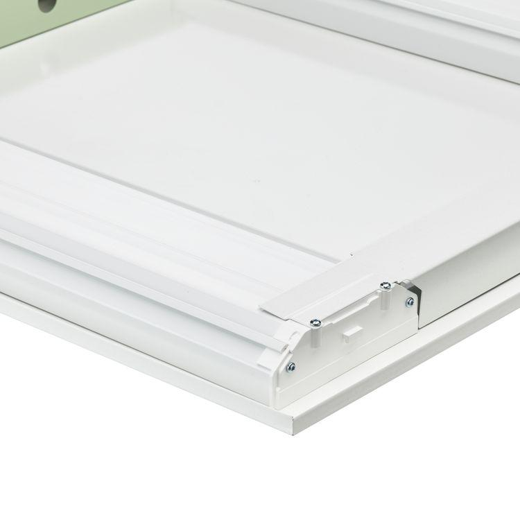 50.000 horas Color Blanco (RAL9016) Vida útil media L80B50 30.