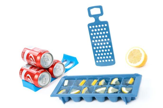 One ice tray, one grater and one can & bottle holder Material/Material: Hielera/Ice tray: Polipropileno/Polypropylene; Rallador/Grater: ABS; Soporte/Holder: